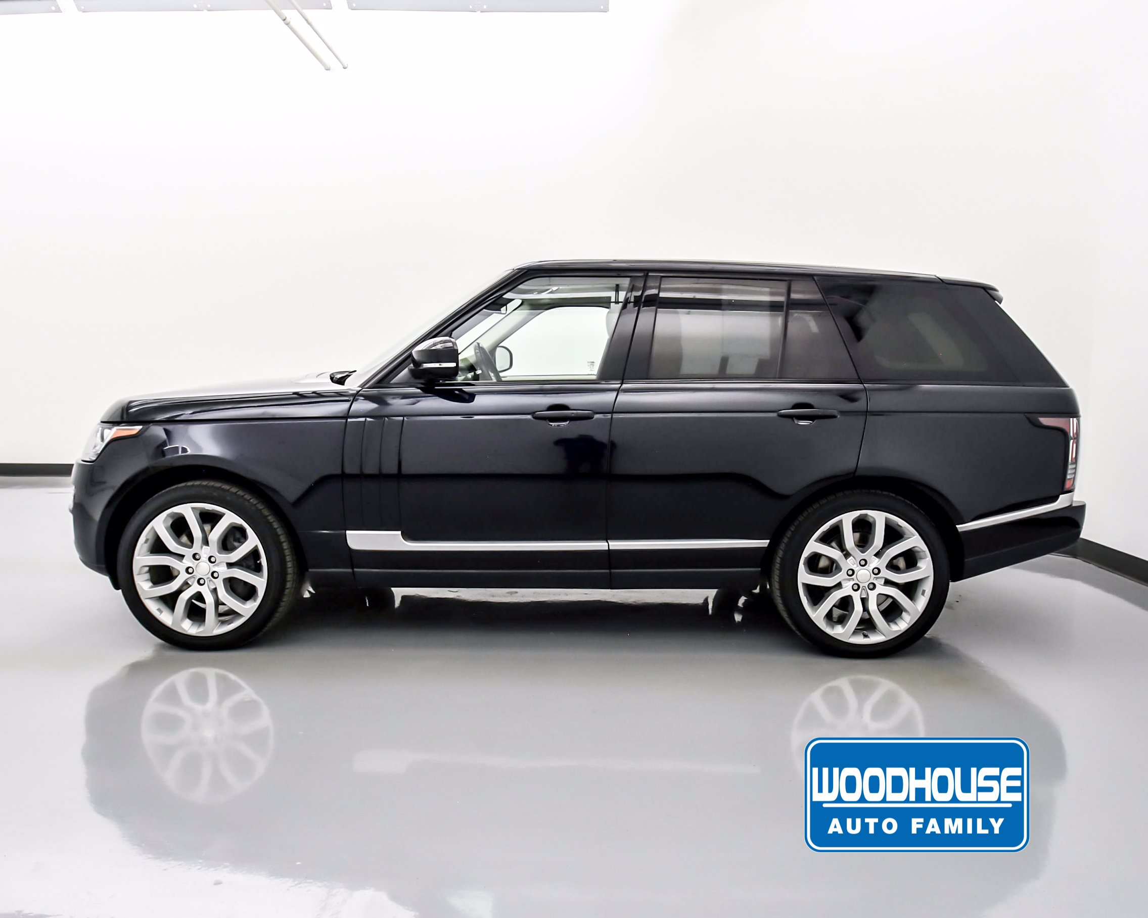 Pre-Owned 2015 Land Rover Range Rover Supercharged