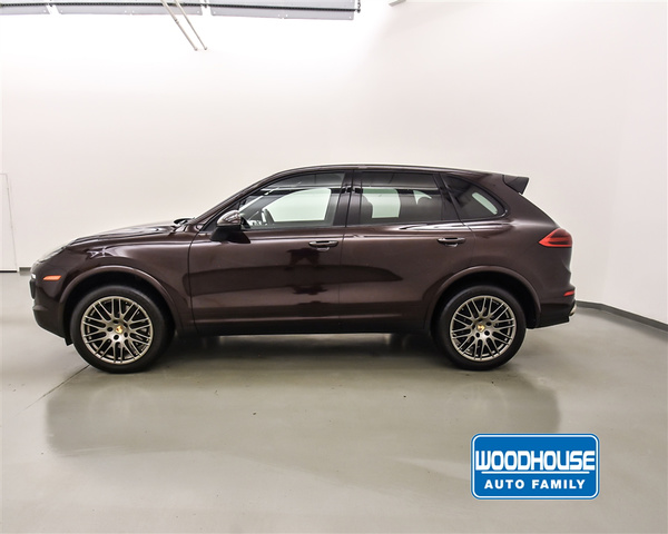 Certified Pre-Owned 2017 Porsche Cayenne Platinum AWD
